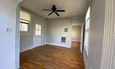 Living Room, 722 Morgan St, 2
