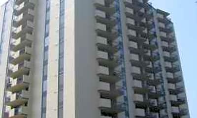 Newport News Luxury Apartments, 1