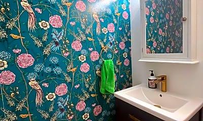 Bathroom, 116 Pheasant Run, 2