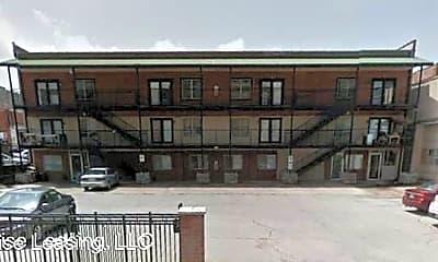 Building, 424 W McDaniel St, 1