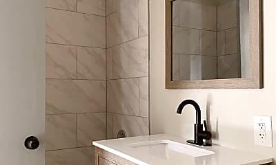 Bathroom, 1656 W 42nd St, 1