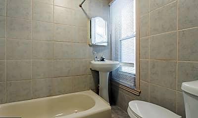 Bathroom, 3258 N Park Ave 1, 2