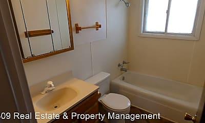 Bathroom, 2905 W Ann St, 2