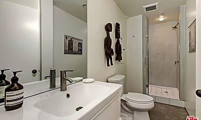 Bathroom, 7702 Firenze Ave, 2
