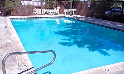 Pool, 75 Orchard Dr, 2