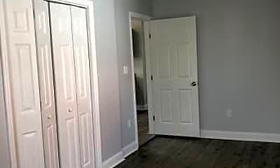 Bedroom, 1073 Howard St, 2