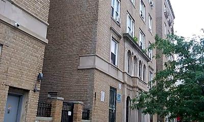Vera Apartments, 2