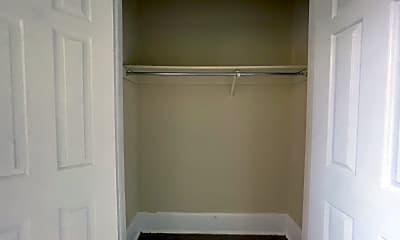 Bathroom, 520 E St NE, 2