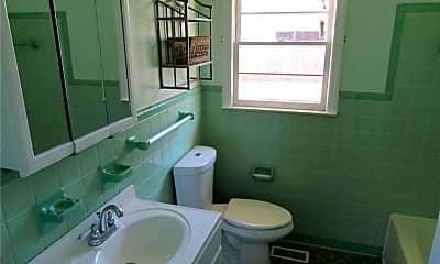 Bathroom, 1119 Juniper Dr, 2