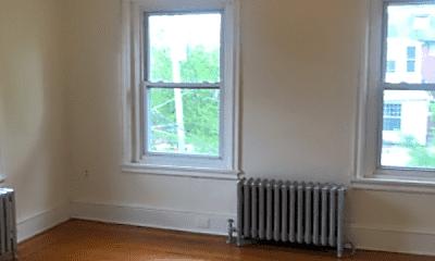 Living Room, 5000 Hazel Ave, 1