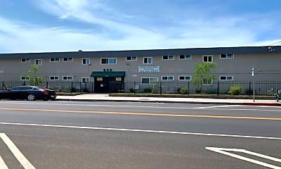 Building, 650 W Gardena Blvd, 1
