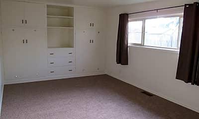 Bedroom, 130 N Koch St, 2