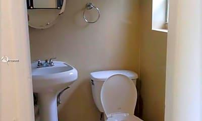 Bathroom, 5807 SW 25th St 11, 2