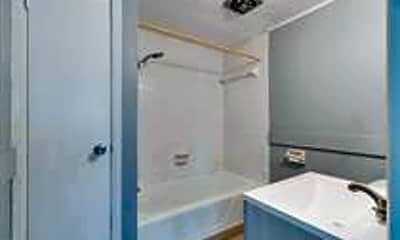 Bathroom, 2801 W Walnut St, 2