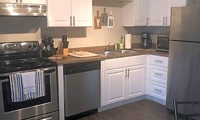Kitchen, Room for Rent - Palmetto Home, 1