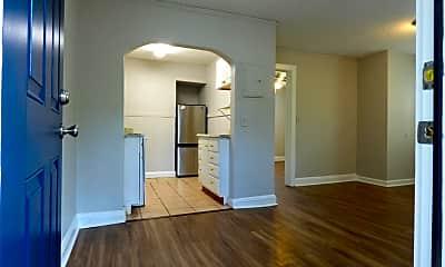 Living Room, 708 Shearer Ave 3, 0