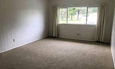 Living Room, 2131 NE Wyoming St, 1
