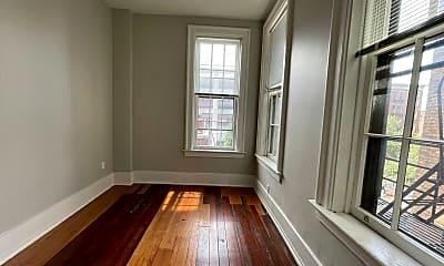 Living Room, 1123 Walnut St, 2