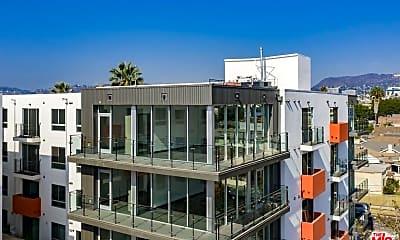 Building, 525 N Wilton Pl 407, 0