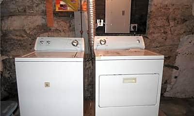 Bathroom, 158 Shore Rd, 2