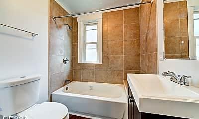 Bathroom, 20 Penelope St, 2
