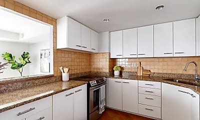Kitchen, 1010 Memorial Dr, 1