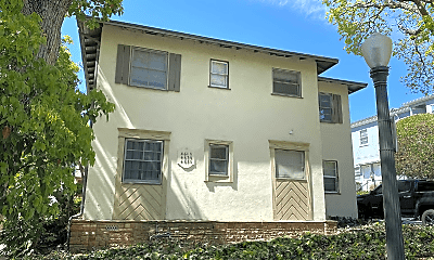 Building, 467 Midvale Ave, 1