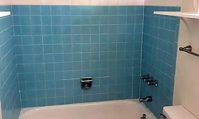 Bathroom, 822 Pioneer Ln, 2
