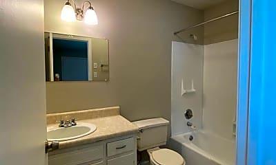 Bathroom, 203 Beech St, 2