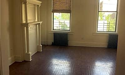 Living Room, 30-52 23rd St 3R, 0