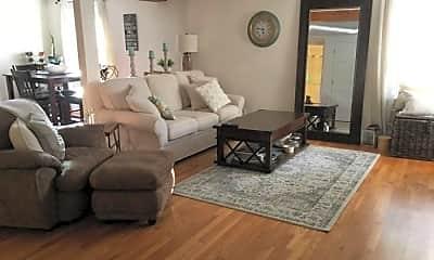 Living Room, 423 Bunker Hill St, 0