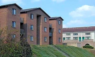 Building, Scotts Run Apartments, 0