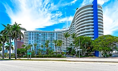 5161 Collins Ave 1516, 2