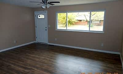 Living Room, 5464 Mariner Dr, 1