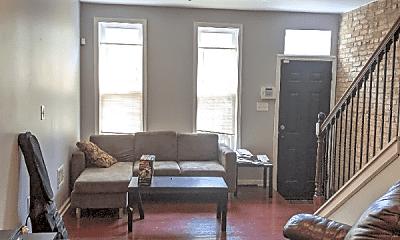 Living Room, 770 W Cross St, 0