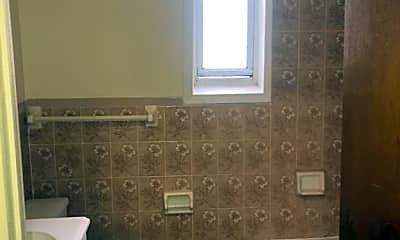 Bathroom, 978 New York Ave, 2