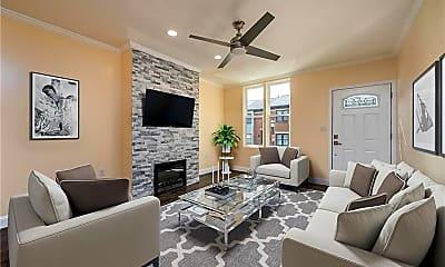 Living Room, 420 Avery St, 1