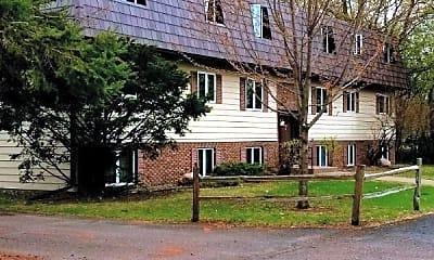 Building, 190 Sawmill Ln, 0