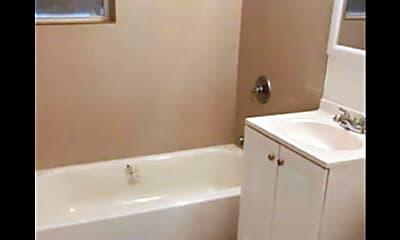 Bathroom, 408 16th Ave 5, 2
