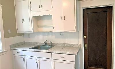 Kitchen, 92 Tremont Ave, 1