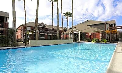 Pool, Westport, 0
