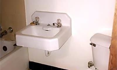 Bathroom, 426 S Quincy St, 2