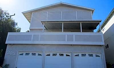 Building, 303 Bungalow Dr, 0