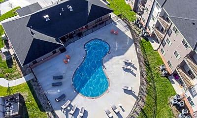 Pool, The Summit at Sunnybrook Village, 2
