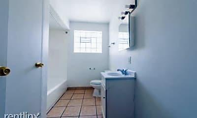 Bathroom, 7901 S Paxton Ave, 2