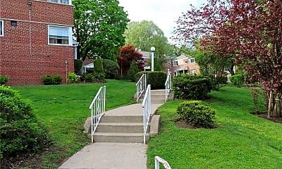 196-31 Dunton Ave 1A, 2