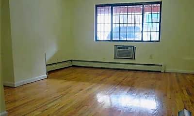Living Room, 121 Maujer St, 1