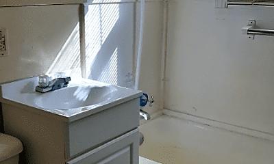 Bathroom, 371 Emerson Ave, 2