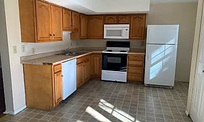 Kitchen, 437 Country Club Dr, 0