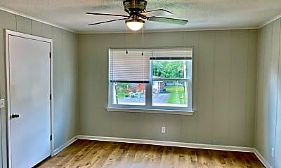 Living Room, 112 Van Cleve St, 2